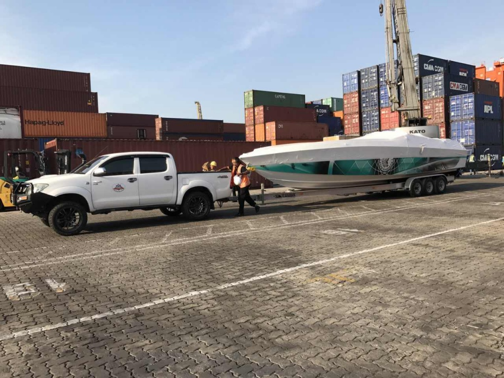 Boat shipped from USA arrived to Thailand.