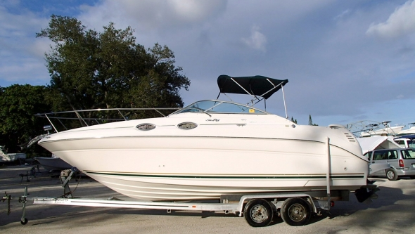 Boat shipping to Vietnam. 2000 Sea Ray Sundancer 260